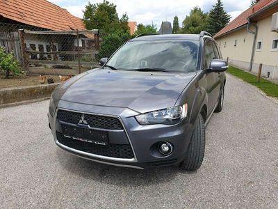 gebraucht Mitsubishi Outlander 2,2 DI-D LP Intense SUV / Geländewagen