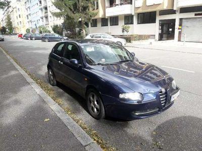 used Alfa Romeo 147 1.9 JTD 16V TI Klein-/ Kompaktwagen,