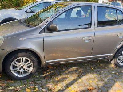 gebraucht Toyota Yaris 1,3 VVT-i Linea Luna