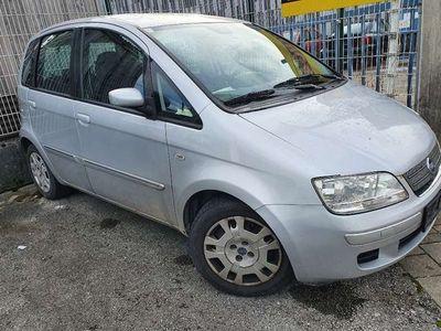 gebraucht Fiat Idea 1,4 16V Emotion Euro 4 perfekt