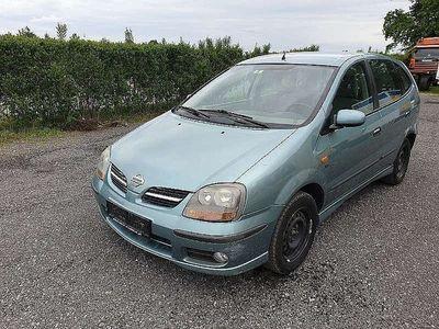 used Nissan Almera Tino 2,2 16V Di TD Luxury Kombi / Family Van,