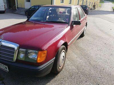 gebraucht Mercedes E250 WD 127 D Limousine