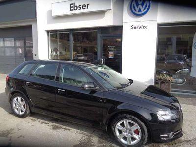 gebraucht Audi A3 Sportback Select 1,6 TDI DPF Klein-/ Kompaktwagen