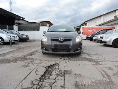 gebraucht Toyota Auris 2,0 D-4D 125 DPF High Klein-/ Kompaktwagen