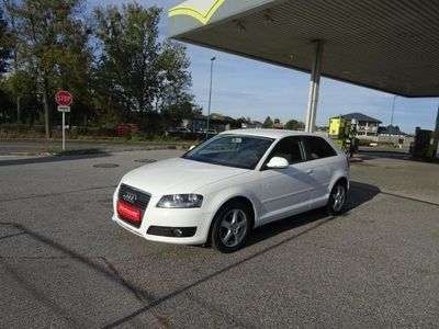 gebraucht Audi A3 1,6 Limited Edition S-tronic - Top!