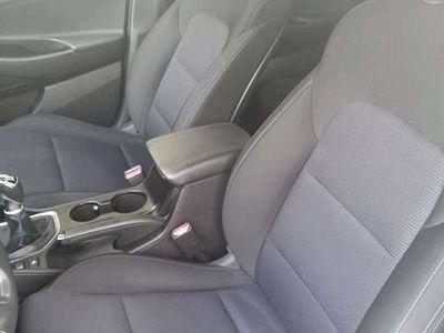 gebraucht Hyundai Tucson 2,0 CRDI 4WD Edition 25