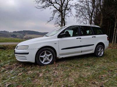 gebraucht Fiat Stilo Multiwagon 1,9 JTD 80 Dynamic