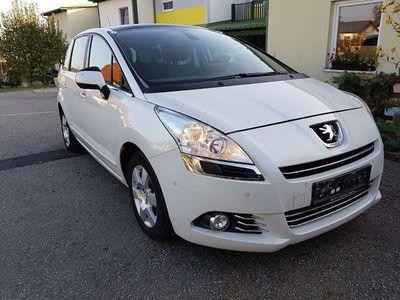 gebraucht Peugeot 5008 1,6 HDI Professional Line FAP Kombi / Family Van