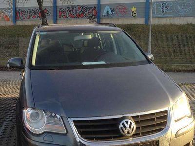 gebraucht VW Touran Trendline 1,4 TSI Kombi / Family Van,