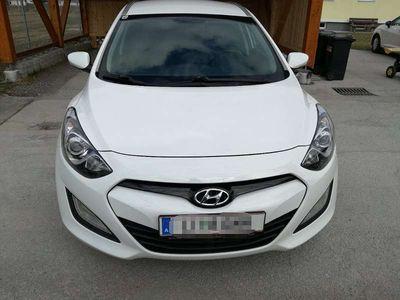gebraucht Hyundai i30 1,4 crdi Kombi / Family Van