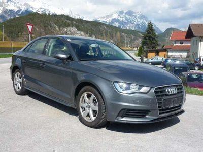 gebraucht Audi A3 1,4 TFSI COD Attraction Limousine,