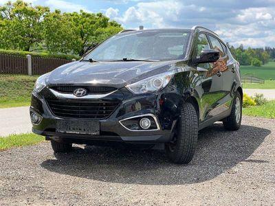 gebraucht Hyundai ix35 2,0 CRDi Life 4WD / Tempomat / 8-fach Bereifung