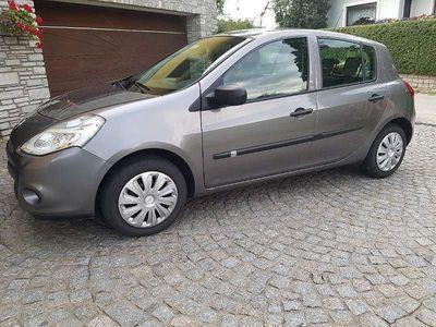 gebraucht Renault Clio Tonic 1.2 65PS Limousine,