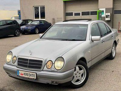 gebraucht Mercedes E320 Elegance Aut. - Schiebedach - Xenon - Klimaanlage