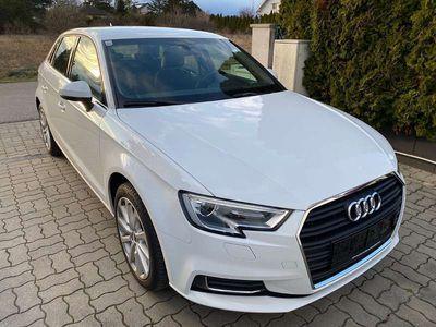 gebraucht Audi A3 Sportback 1.0 TFSI intense Limousine