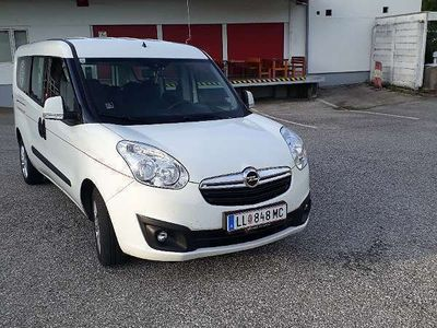 gebraucht Opel Combo TOUR COSMO L2H1 (Langversion) Kombi / Family Van