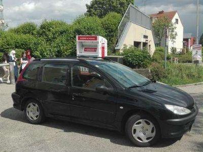 gebraucht Peugeot 206 SW 1.4 hdi Kombi / Family Van