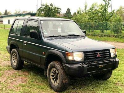 used Mitsubishi Pajero MT 2,5 GLS TD