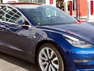 gebraucht Tesla Model 3 SR+ Limousine