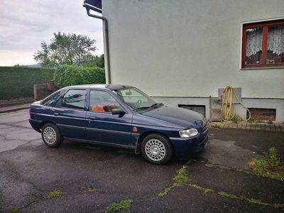 gebraucht Ford Escort Plus 5-T 1,3 Limousine,