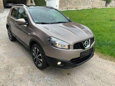 gebraucht Nissan Qashqai 1,6 dCi I-Way Start/Stop 4WD DPF