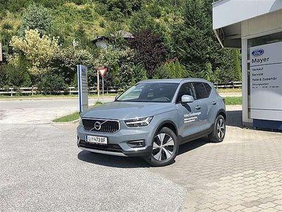 gebraucht Volvo XC40 D3 Momentum Pro AWD Geartronic SUV / Geländewagen