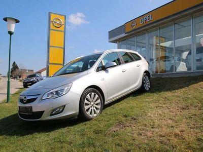 gebraucht Opel Astra ST 1,7 Ecotec CDTI Cosmo Kombi / Family Van