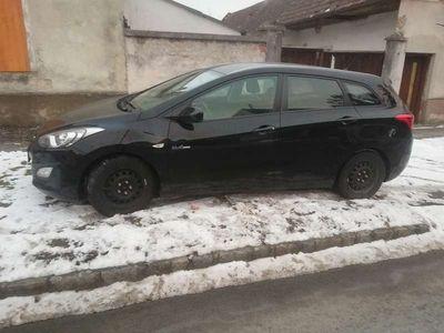 gebraucht Hyundai i30 1.6 CRDI (Diesel, 110 PS) Kombi / Family Van,