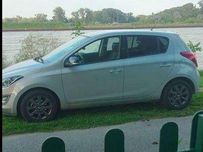 gebraucht Hyundai i20 1,25 GO Klein-/ Kompaktwagen