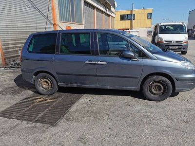 gebraucht Peugeot 807 2 PKW um 1000euro Kombi / Family Van