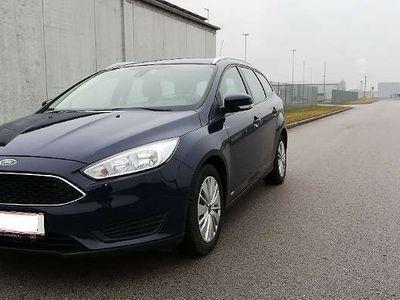 gebraucht Ford Focus Traveller 1,0 EcoBoost Trend Kombi / Family Van