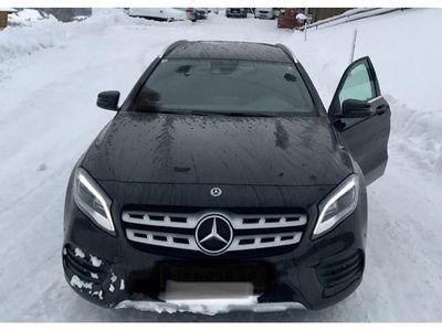 gebraucht Mercedes GLA220 220d 4matic 7G-DCT