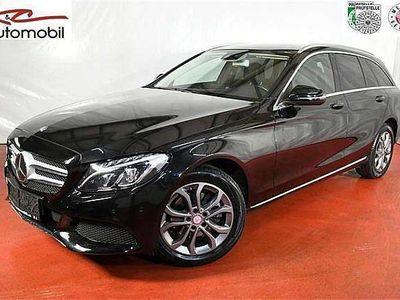 gebraucht Mercedes C220 C-Klassed T 4MATIC Avantgarde Aut. Kombi / Family Van