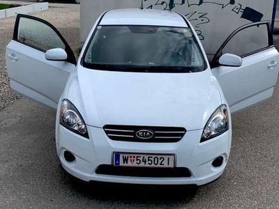 used Kia cee'd 1,4 Cool Naviga Sportwagen / Coupé,