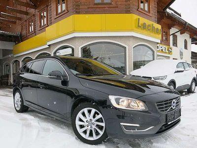 brugt Volvo V60 D2 Summum*Navi*Leder*Schiebedach*RFK* Kombi / Family Van,
