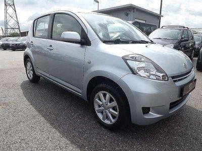 gebraucht Daihatsu Sirion 1,3 Aut. Klein-/ Kompaktwagen