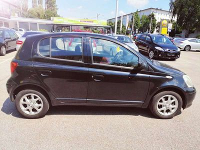 used Toyota Yaris P1F /schwere Mängel Klein-/ Kompaktwagen,