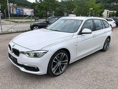 gebraucht BMW 320 3er-Reihe d Touring Luxury Line Aut. Navi-LED-Leder Kombi / Family Van