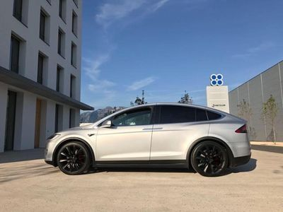 gebraucht Tesla Model X 75D mit 22 Zoll Bereifung 6 Sitzer
