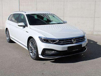 gebraucht VW Passat Variant Elegance 20 SCR TDI 4Motion DSG