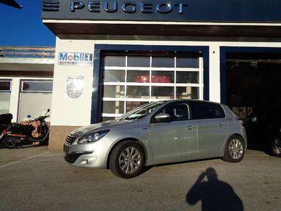 gebraucht Peugeot 308 1,2 PureTech 110 Style S&S Limousine