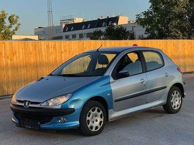 gebraucht Peugeot 206 Look 1,4 HDI 70 ** 1.Besitz ** Klein-/ Kompaktwagen