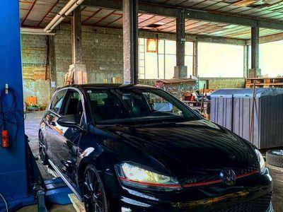 gebraucht VW Golf GTI 2,0 TSI DSG Performance Performance