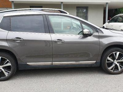gebraucht Peugeot 2008 1,6 e-HDi 115 FAP Allure mit Navi + 8fach