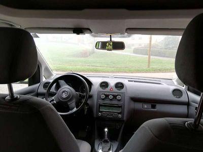 gebraucht VW Caddy Kombi Comfortline 1,6 TDI DPF DSG Kombi / Family Van