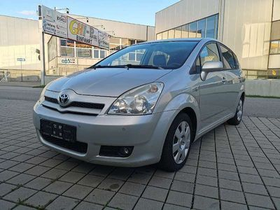 gebraucht Toyota Corolla Verso 2,2 D-4D 135 Linea Austria Ds. *7 Sitze* Kombi / Family Van