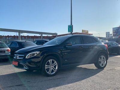 gebraucht Mercedes GLA200 d 4MATIC Aut.**Panorama,Rückf.-Kamera,Leder,Xen