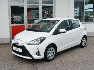 gebraucht Toyota Yaris 1,0 VVT-i Active Limousine,