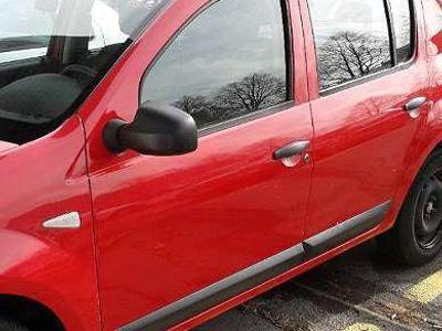 gebraucht Dacia Sandero 1.4 l 55 kW, rot Klein-/ Kompaktwagen