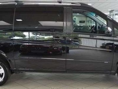 gebraucht Mercedes Viano Ambiente lang 2,2 CDI BlueEff. DPF 4Matic Aut. Kombi / Family Van,